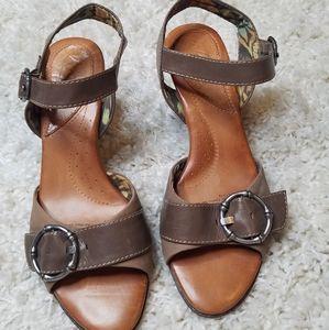 Naya Tawny leather kitten heel sandals